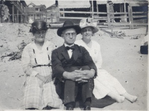 Packers at the beach? c. 1910s or early 1920s